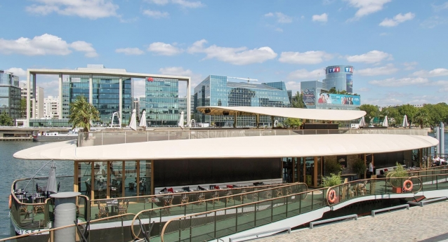 Livraison du bâtiment flottant Odysea à Issy les Moulineaux conçu par Chenet Design et Architecture